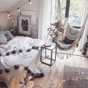 日々の疲れを癒そう♪ 最高にリラックス&安眠できるベッドルームの作り方